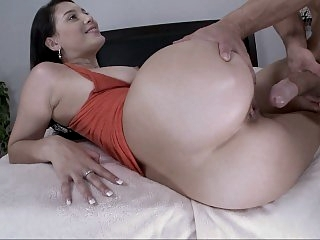 Stacked slut seduced