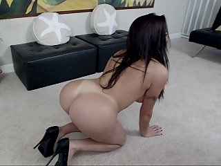 Latina whore stabbed with..