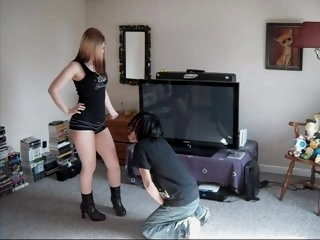 Ballbusting - Teen in Booty..