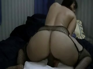 Big Booty White Girl Plays..
