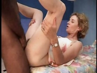 French mature Agnes &..