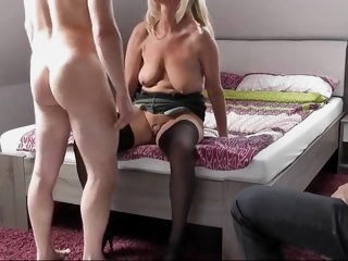 beautiful mature cuckold..