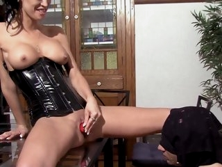 American Mistress instructs..